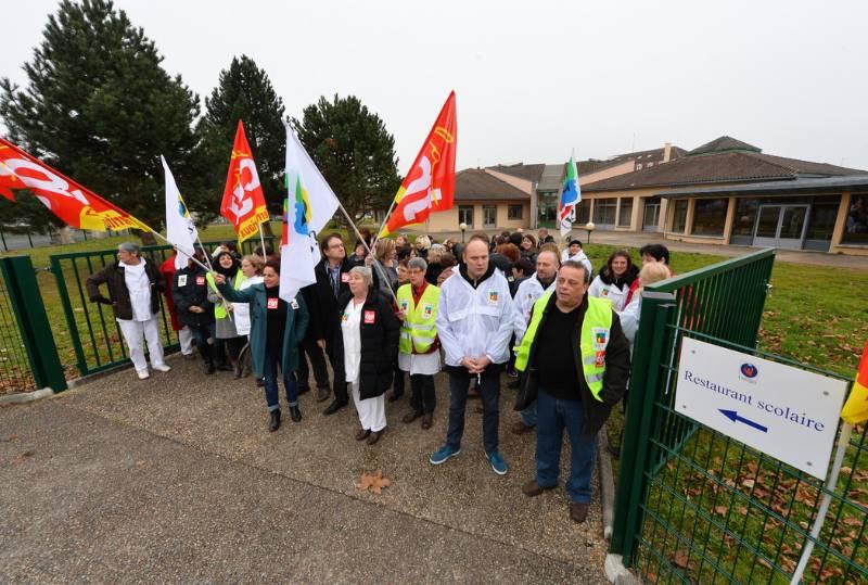 Grève restaurants scolaires - Thomas JOUHANNAUD