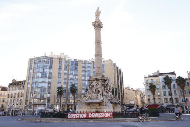 Dimanche, Jacques-Henri Eyraud et les dirigeants du club étaient visés par plusieurs banderoles déployées dans la cité phocéenne. (F. Porcu/L'Équipe)