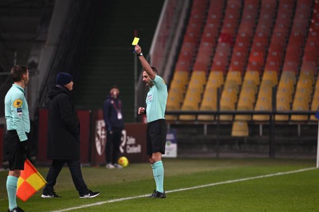 Frédéric Antonetti, l'entraîneur de Metz, a écopé d'un carton jaune contre Lyon (1-3).  (S.Mantey/L'Équipe)