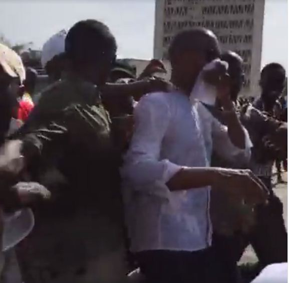 Abdoul Mbaye en difficulté