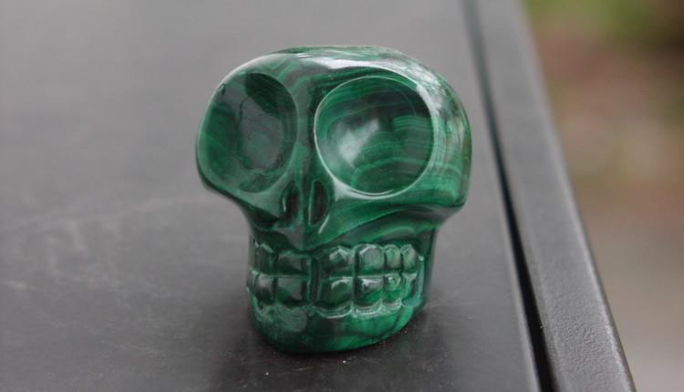 Crâne de cristal Yonouma en malachite