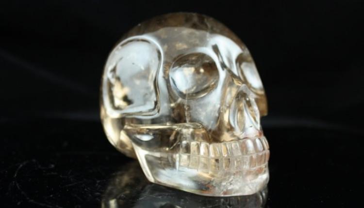 Xaltar crâne de cristal en quartz fumé