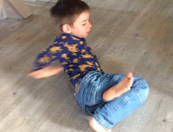 Mon fils fait de la danse