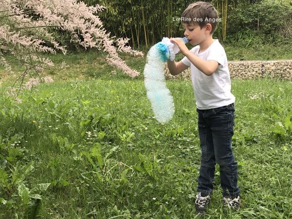 bulles de savon facon serpent