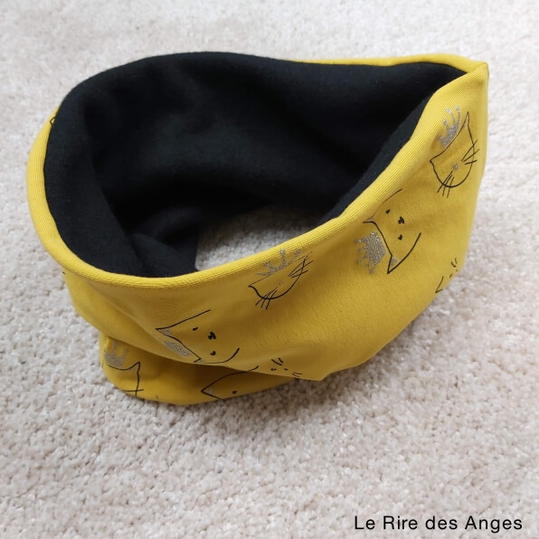 snood moutarde chat couronne