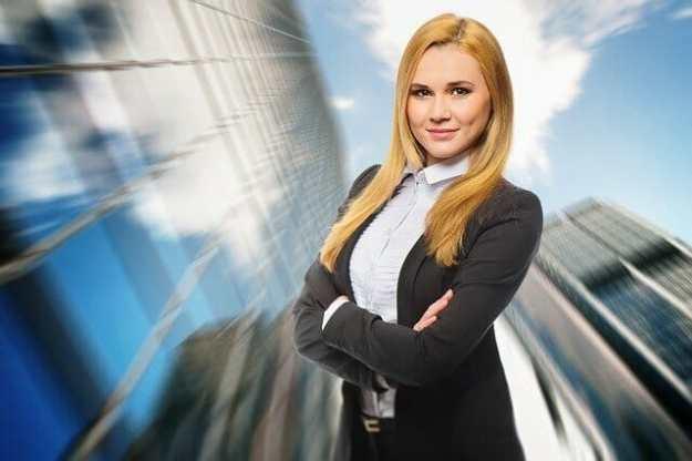 Junge Frau als Führungspersönlichkeit