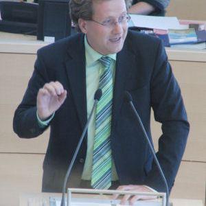 Martin Habersaat. debattiert