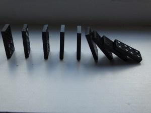 Un rétroplanning surréaliste c'est comme des dominos en cascade ! Crédit Photo : Jacqui Brown