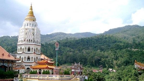 Partir en Orient pour le festival végétarien de Penang. Temple de Kek Lok