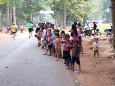 Angkor Wat : semi marathon en terre d'aventure. Les enfants