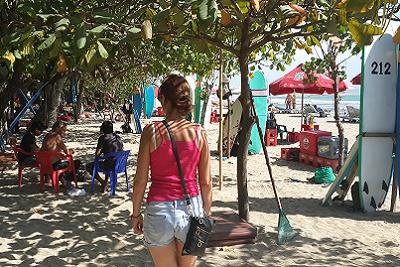 Bali plage : le sud, Kuta, Seminyak, Tanah Lot, Sanur. Valérie à Kuta