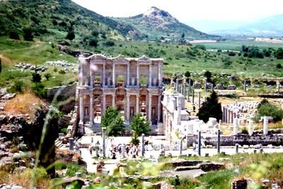 Monastir, Istambul, Pampelune, l'Atlas, Bonifacio, la Suède. Turquie la ville romaine d'Ephese