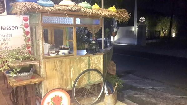 Bons plans à Bali : le warung, brasserie façon asiatique. Lima kaki