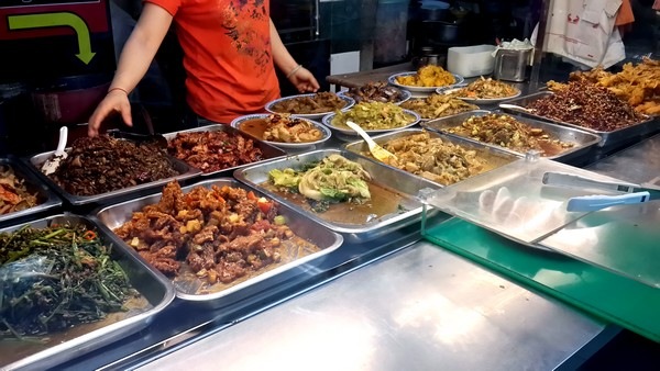 Singapour : Clarke Quay, Fort Canning, . Buffet restaurant à Chinatown