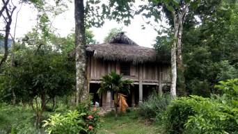 Notre belle maison traditionnelle des communautés Hmong où nous avons dormi durant trois semaines.