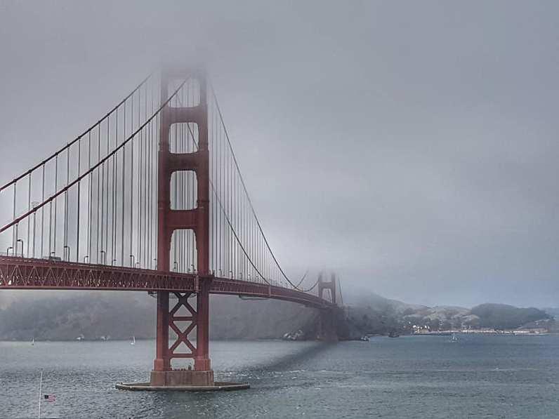 Golden Gate Bridge sous le fog - San Francisco