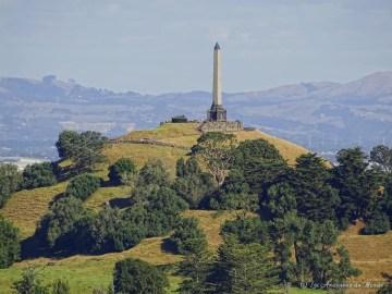 Vue_sur_la_One_Tree_Hill_depuis_le_mont_Eden_-_Auckland_-_Nouvelle_Z├®lande_