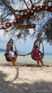 chaise suspendue sur l'île de Koh Rong Samloen au Cambodge