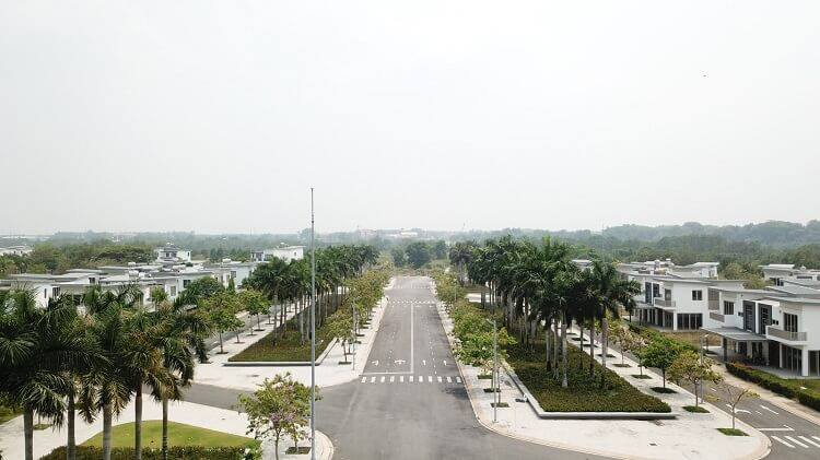Một góc đường với nhiều cây xanh