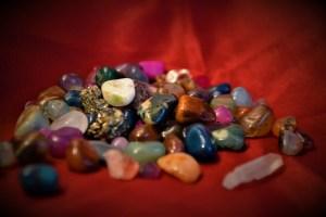 Examiner quelques pierres