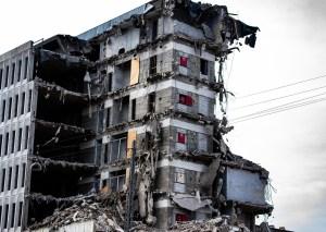 deplombage de bâtiment