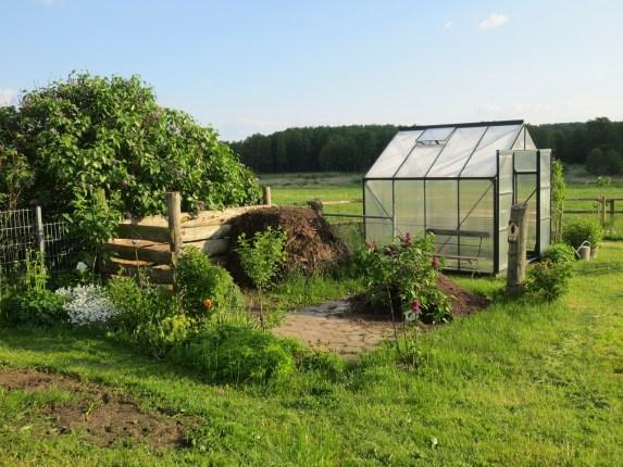 un bel abri de jardin