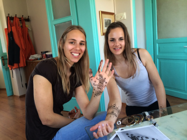 Turkish and Indian Style Henna Tattoo In Istanbul