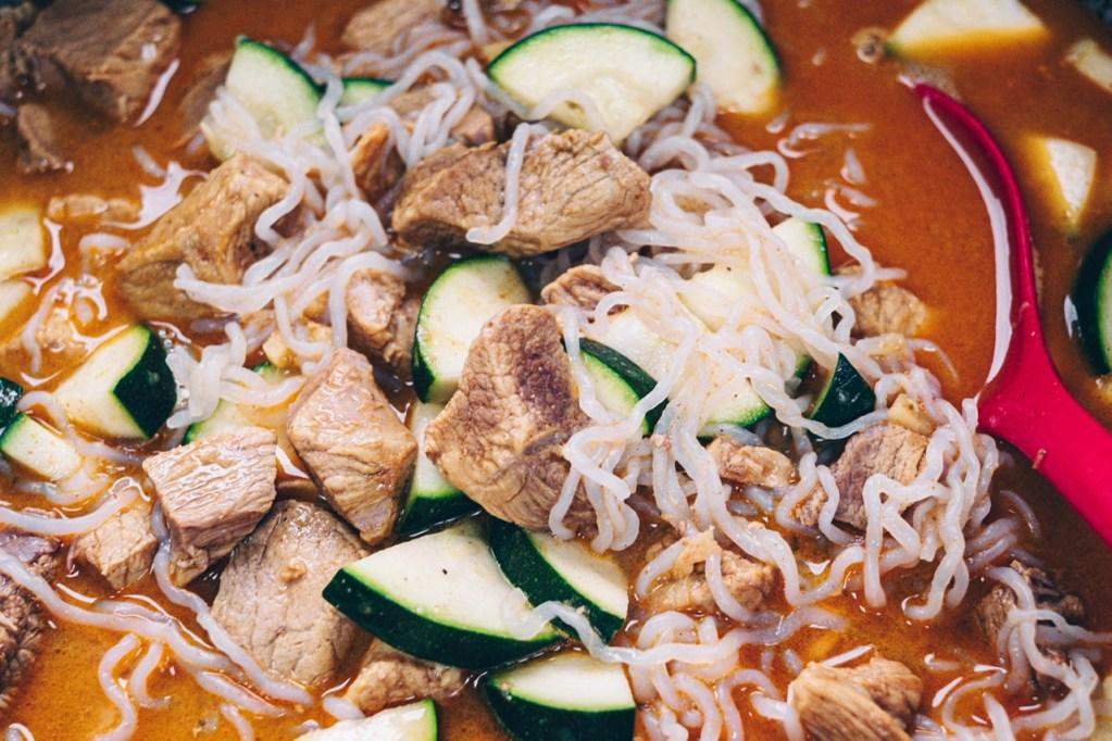 Recette céto sauté de porc coco curry