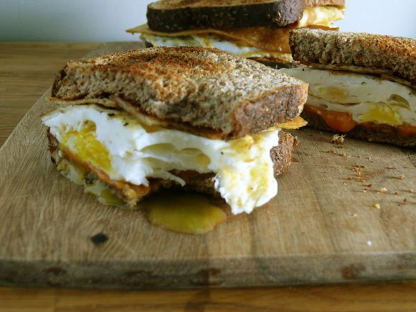 bacon, egg and cheese sandwich
