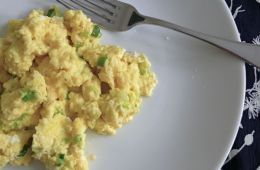 green garlic scrambled eggs