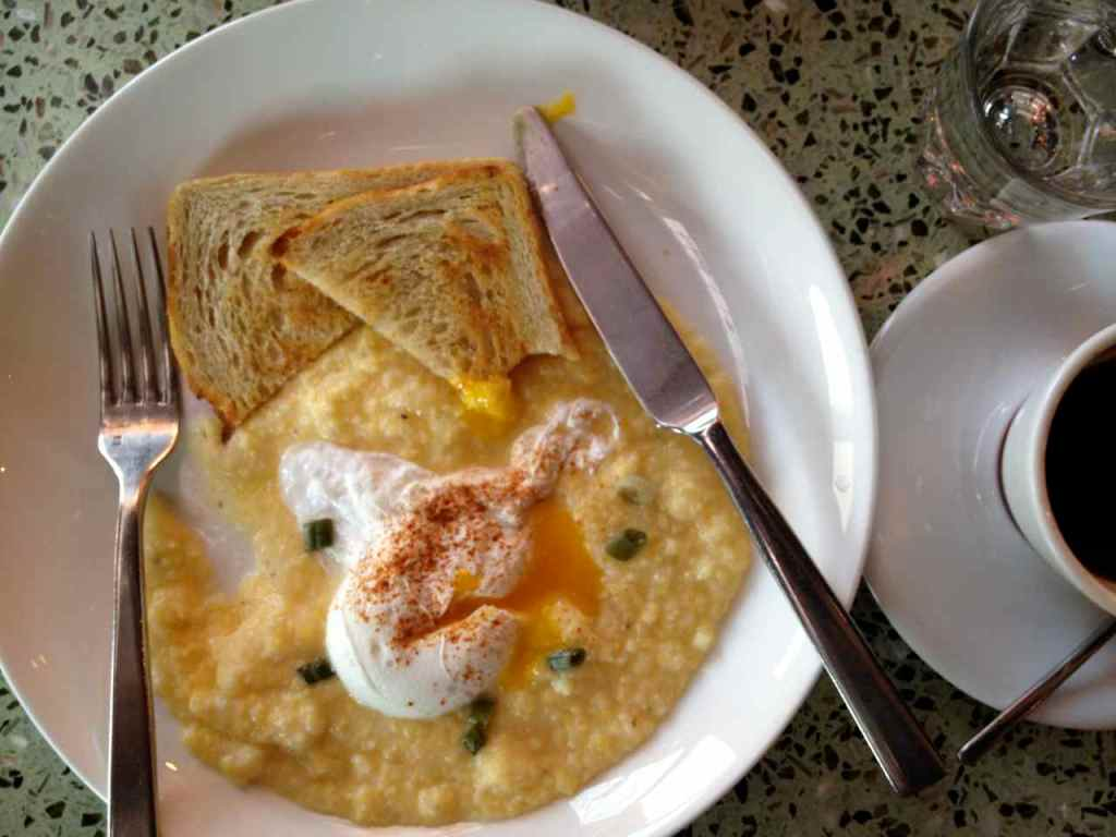 eggs and grits at intellegentsia