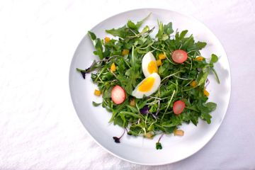 picked salad with eggs