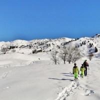 Notre premiere sortie ski / raquettes en pleine nature en famille, le dos de Cret Voland
