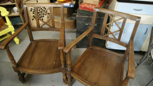 paire de fauteuils bas en bois