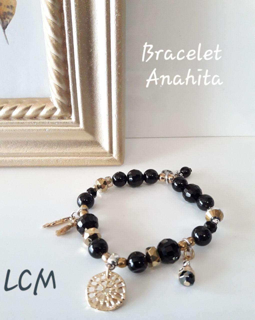 Collection Anahita .Bracelet Perles noires et doré