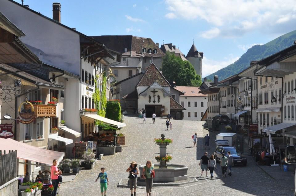 Voici donc une sélection des plus beaux endroits à visiter en Suisse.