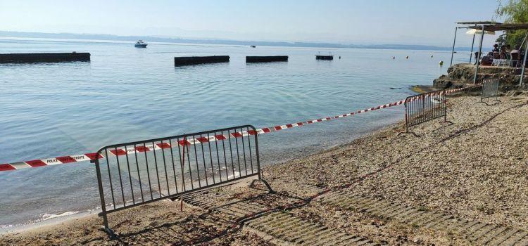 Cyanobactérie, baigneurs évacués et plages fermées