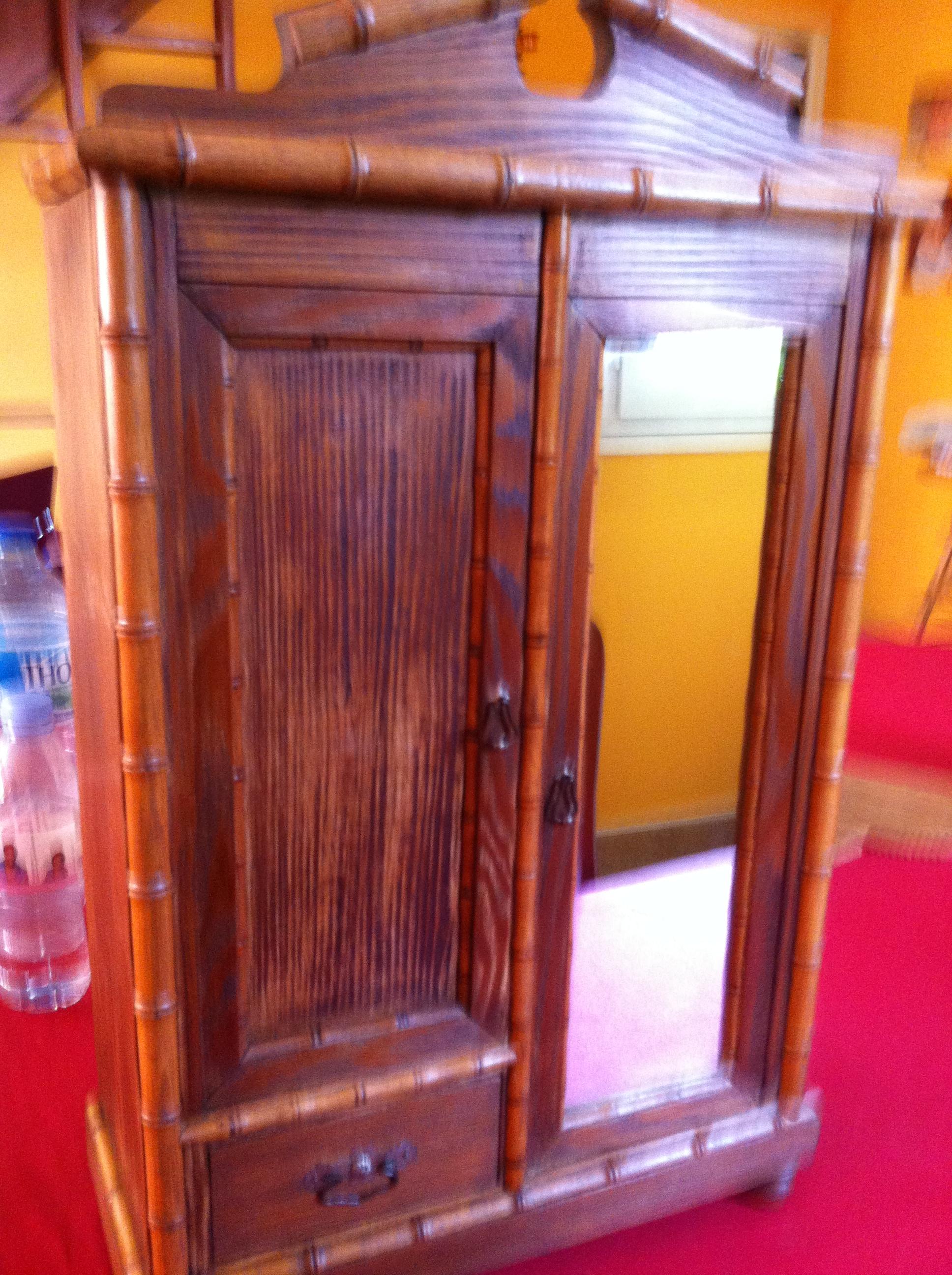 Vernis Ou Vitrificateur Sur Un Meuble Peint dÉcaper le bois verni, ciré ou peint | les chroniques de goliath