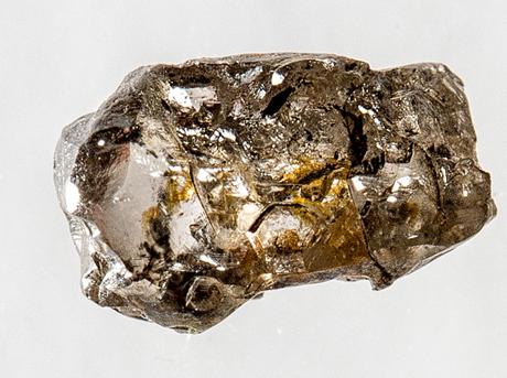 C'è acqua nel mantello terrestre, la conferma da un diamante