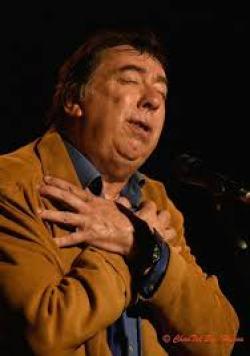 Un chanteur qui sait aussi se faire tendre