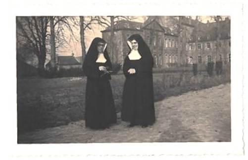 Soeurs à lIinstitut Sante Gertrude de Brugelette - XIX siècle