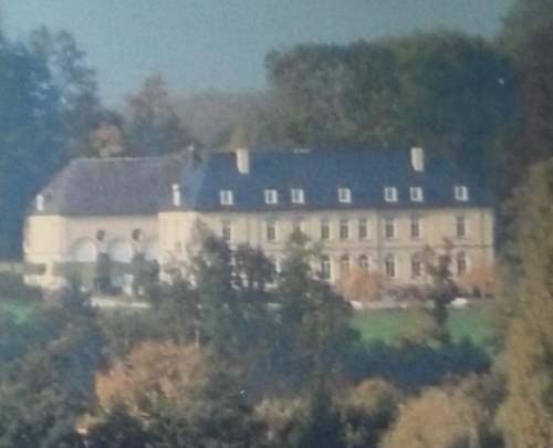 Château de Gages actuel par temps de brume