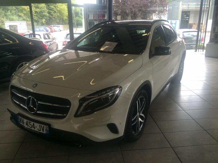 Mercedes-Benz GLA 180 2