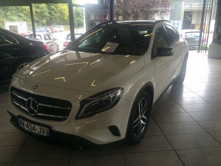 Mercedes-Benz GLA 180 2