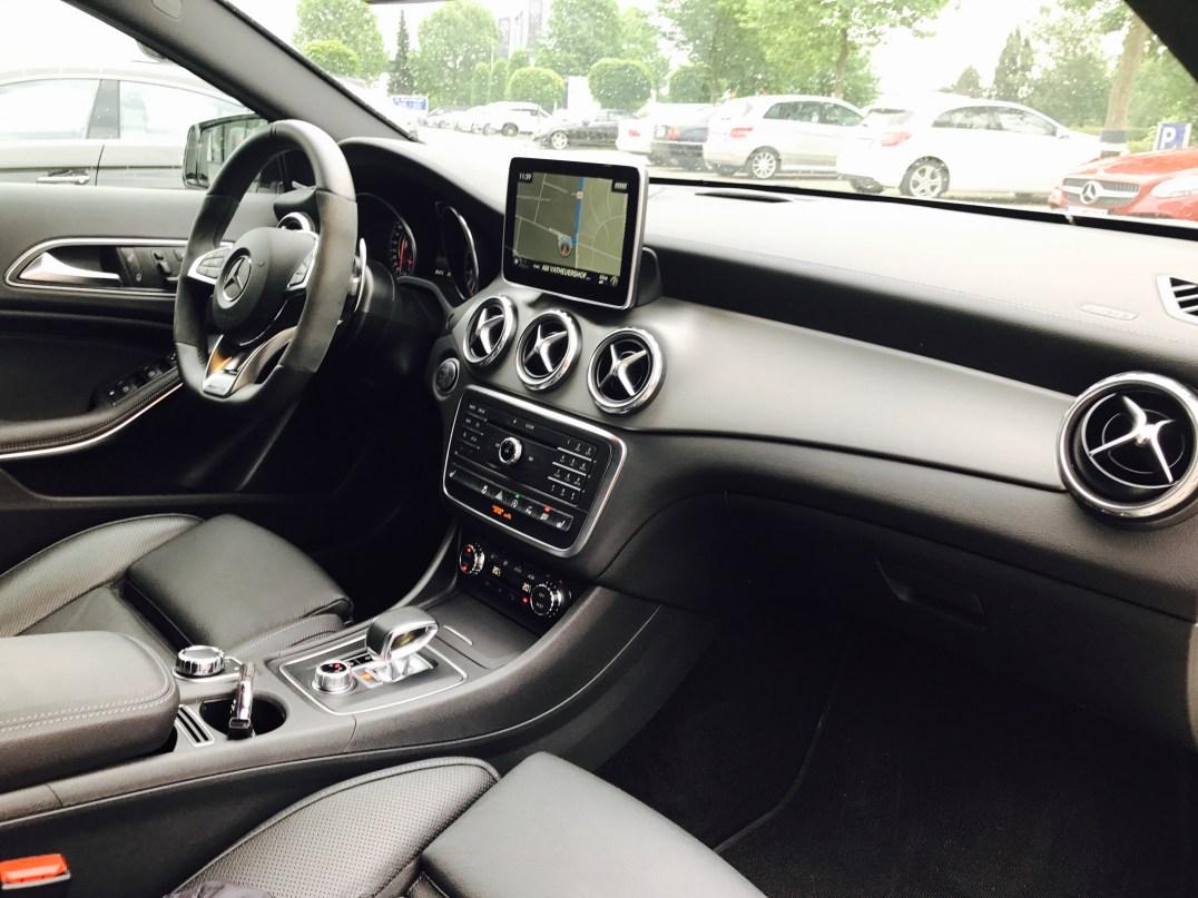 Mercedes-Benz GLA 45 AMG 4