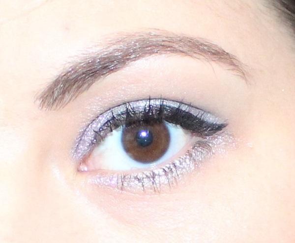 idee maquillage de fete violet et gris perle