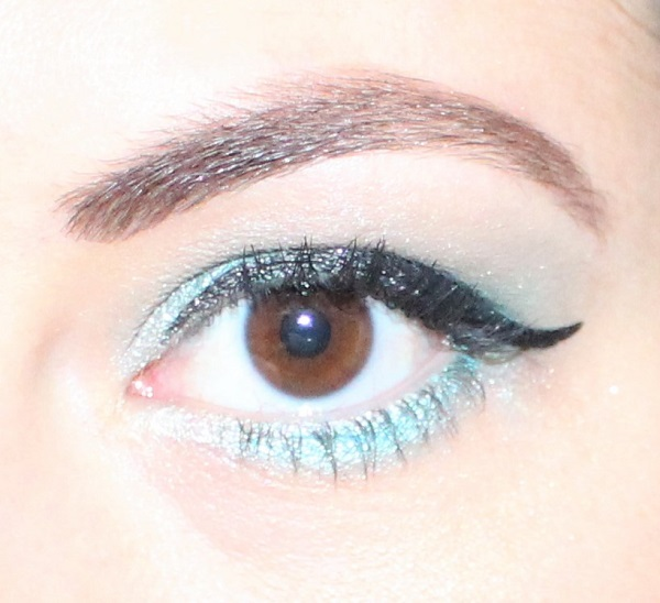 msc turquoise paillettes maquillage