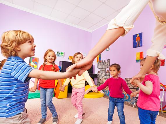 Favoriser l'intégration de l'enfant au sein d'un groupe