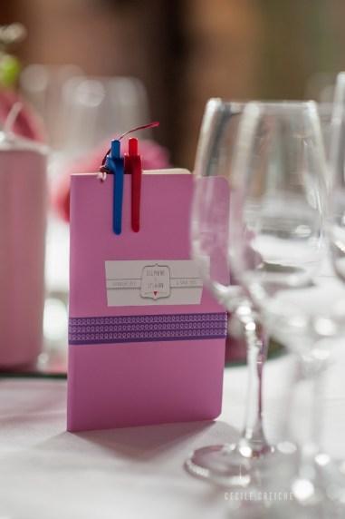 mariage-decoration-fushia-vignes-fleurs-miroir-les-embellies-d-amelie-domaine-de-la-ruisseliere-cecile-creiche08