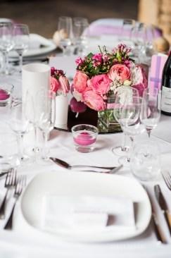 mariage-decoration-fushia-vignes-fleurs-miroir-les-embellies-d-amelie-domaine-de-la-ruisseliere-cecile-creiche19